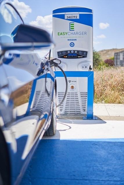 Nissan e Easycharger abren dos nuevas estaciones de carga rápida